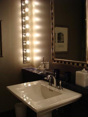 The Ashton Hotel: pretty vanity area