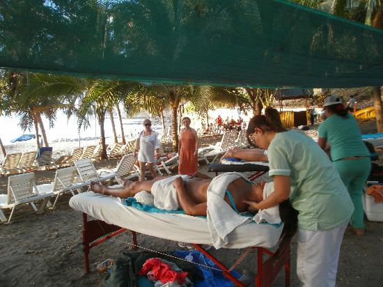 Beach's Massage: the Beach Massage in Playa Hermosa, by Condovac