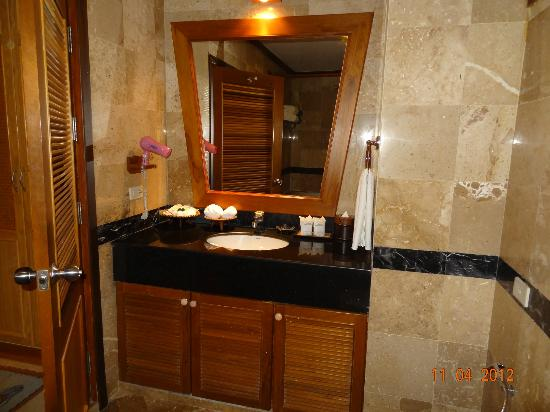 Somkiet Buri Resort : Bathroom