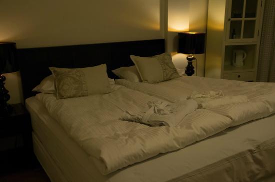 City Center Hotel: ベッド
