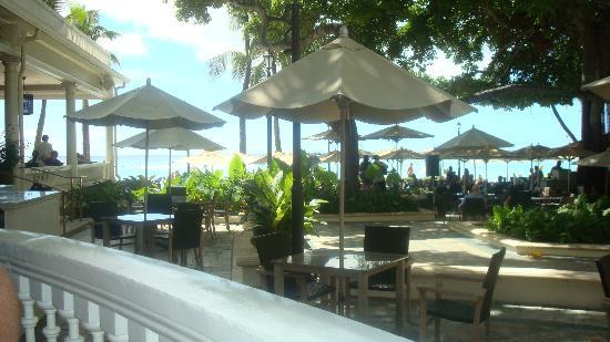 Moana Surfrider, A Westin Resort & Spa: A view from our table