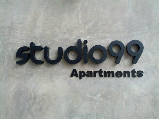 Studio 99 Serviced Apartments: Entrance