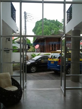 Studio 99 Serviced Apartments: Lobby