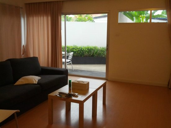 Studio 99 Serviced Apartments: Living room (1 bedroom)