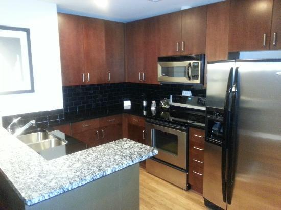 Twelve Atlantic Station: Fully Functional Kitchen