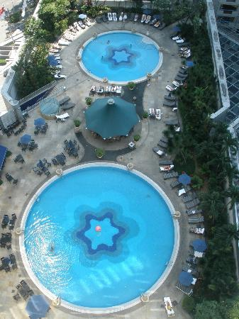Fairmont Singapore : View of pool from 22nd Floor North Tower