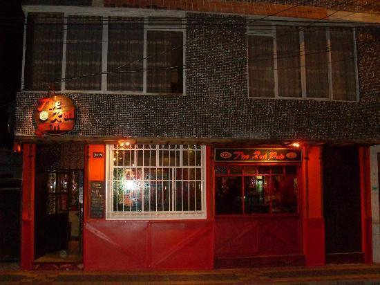 The Red Pub : fachada bar