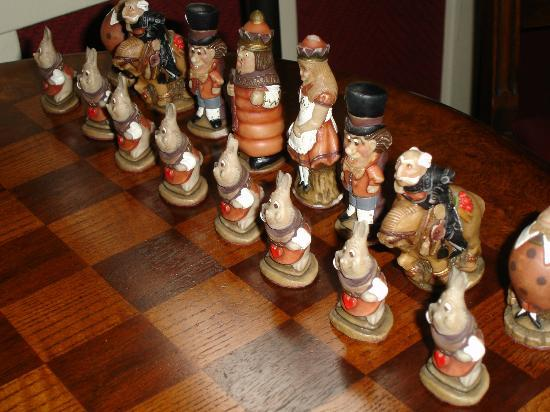 The Jabberwock Inn: Alice themed chess set