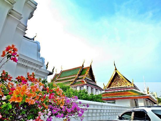 Wat Ratchanatdaram Woravihara (Loha Prasat): roofs