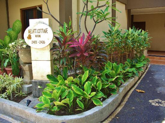 Risata Bali Resort & Spa: Entrance to our room