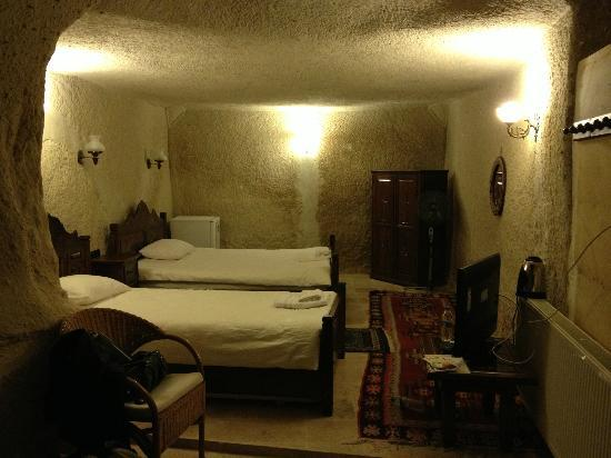Vineyard Cave Hotel : double room