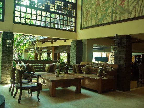 Risata Bali Resort & Spa: Lobby lounge area