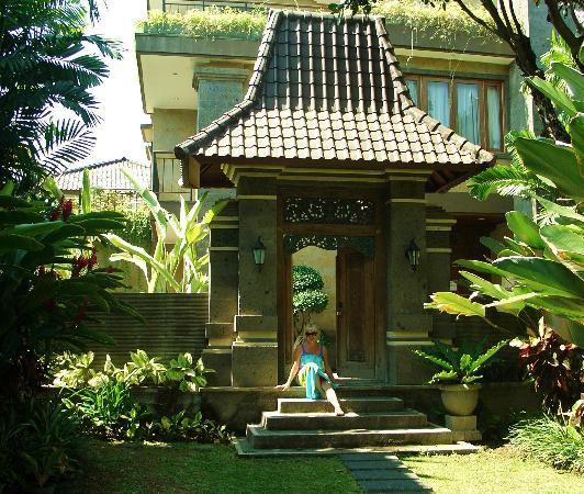 Risata Bali Resort & Spa: A pretty entrance
