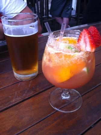 Cargo Bar Pizza Lounge: Saturday afternoon drinks