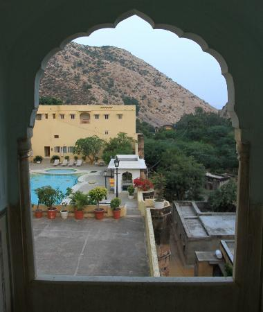 Samode Palace: Over the pool and surrounding area