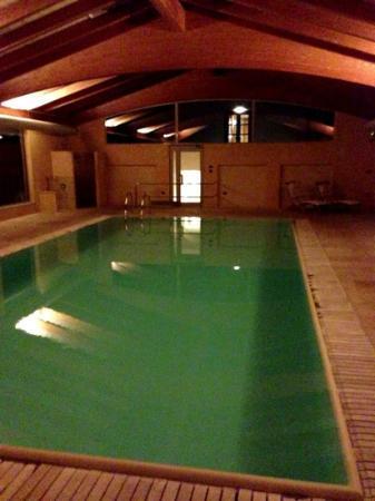 Hotel Relais Montemarino: la piscina di sera