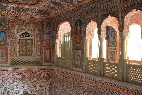 Samode Palace: Within the Palace.