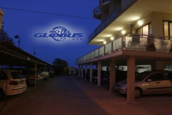 Hotel Globus : parcheggio notturno