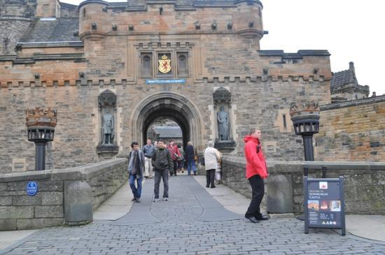 Kastil Edinburgh: The Portcullis Gate?