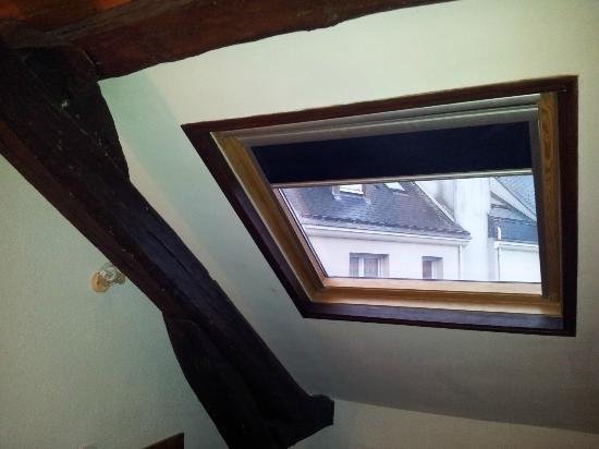 Royal Hotel : fenêtre et mur