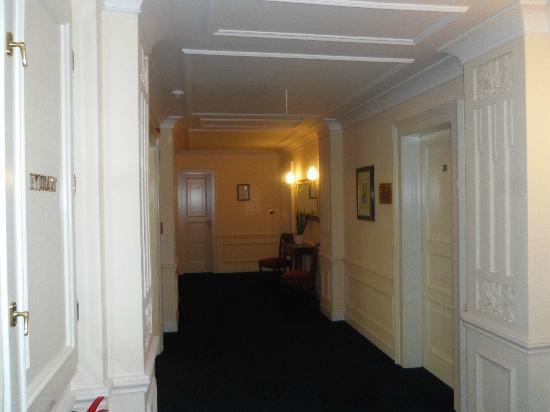 Hotel Liberty: Couloir du 5eme etage