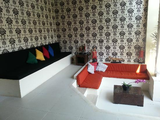 Enigma Bali Villas: sofa facing poool
