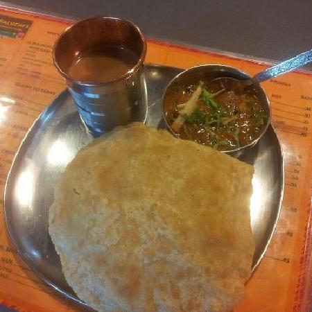 Baluchi's Bangkok: Home made Puri Chole