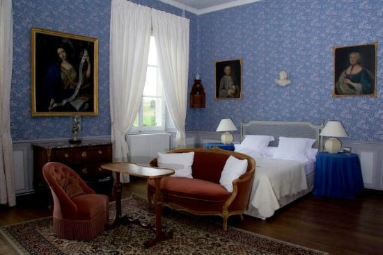 Chambre princesse - Picture of Chateau d\'Autigny-la-Tour ...