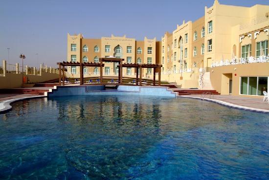 Al Jahra Copthorne Hotel & Resort: Hotel Pool