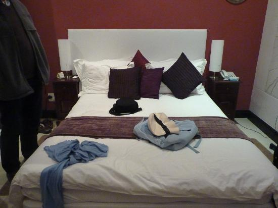 Primi Seacastle Guest House: bed