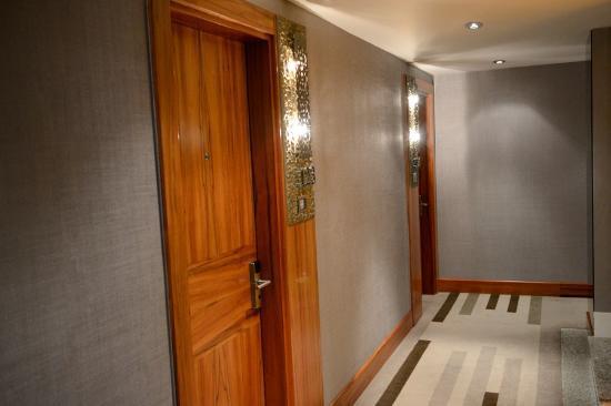 Biz Cevahir Hotel: Corridoio