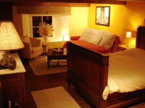 Kerpa: La chambre jaune (1er étage), 1 à 3 personnes.