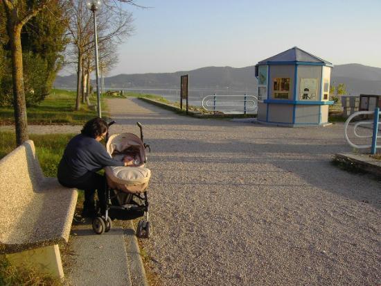 Agriturismo La Pietriccia: Il lago