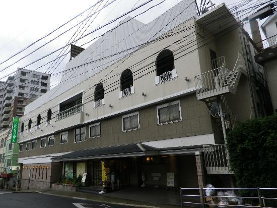 Leo Plaza Hotel Sasebo : ホテルの玄関附近