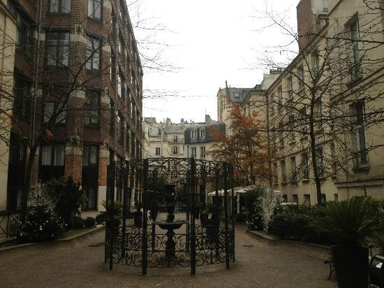 La rue interieure picture of hotel les jardins du marais for Hotel les jardins paris