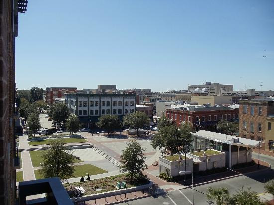 Andaz Savannah: View of Ellis Square & City Market from our room balcony