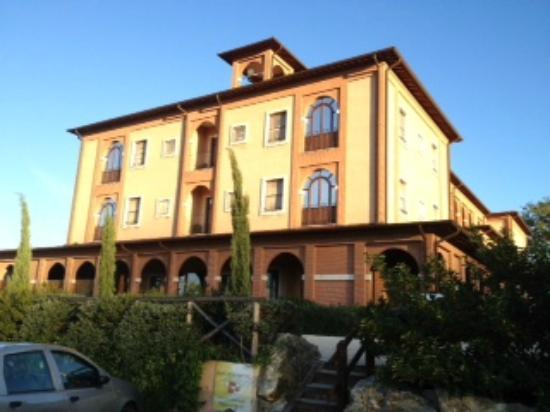 Saturnia Tuscany Hotel: esterno