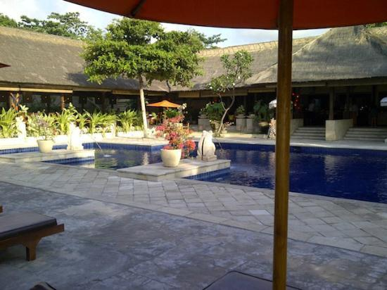 ‪‪Mercure Resort Sanur‬: Pool 2 -- So so 1/4 Olmypic Size‬