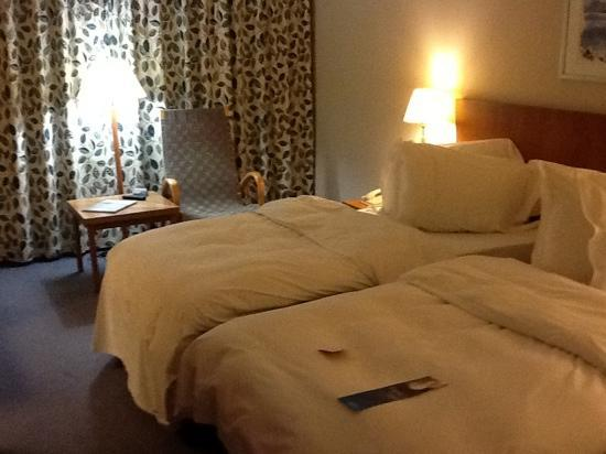 Radisson Blu Hotel, Manchester Airport: Nice roomy bedroom