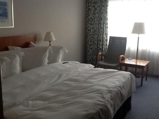 ‪‪Radisson Blu Hotel, Manchester Airport‬: Roomy double bedroom‬