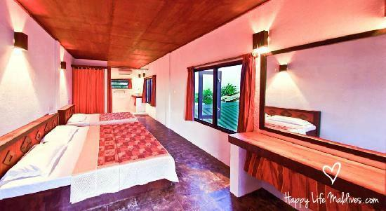 Happy Life Maldives Lodge: Modern, spacious rooms with 1 double and 1 single bed