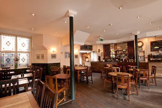 The Warwick: bar