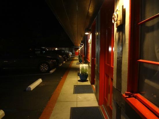 Hamlet Inn: Exterior of the motel