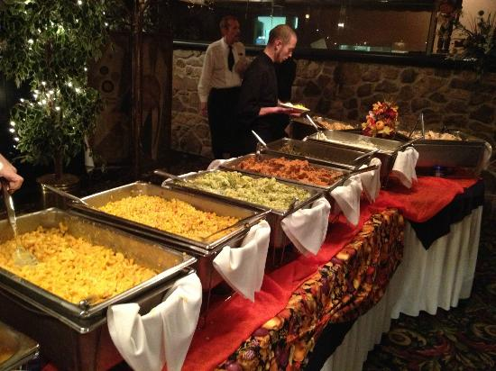 Wonderful Stone Hearth Restaurant: Thanksgiving Buffet
