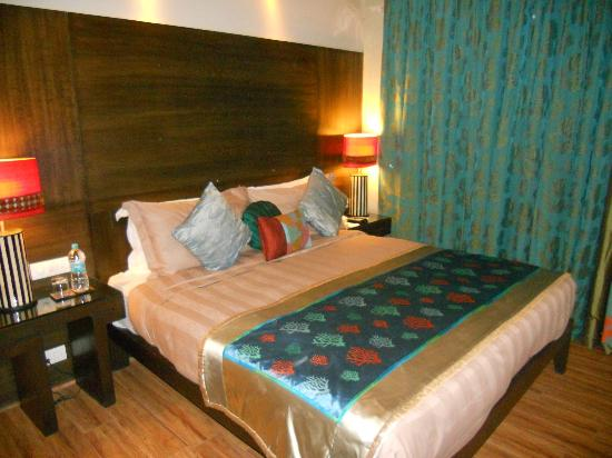 juSTa Gurgaon Hotel: Room