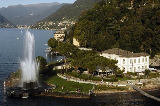 La fontana in notturna foto di villa geno como for Cabine spartiacque vista lago fontana