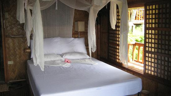 Coco Beach Resort: our honeymoon bed