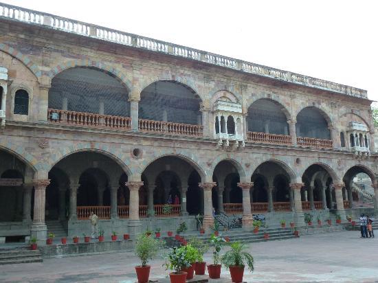 Rajwada Indore: Darbar Hall
