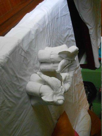 ทรายแก้ว บีช รีสอร์ท: Горничная делала нам такие фигурки из полотенец.