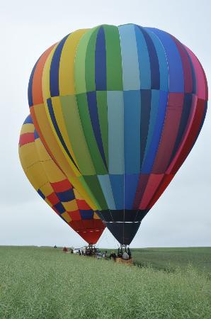 Jumel, France: c'est aussi la montgolfière aux chambres d'hotes St Nicolas